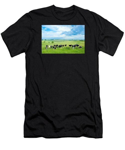 Happy Cows Men's T-Shirt (Athletic Fit)