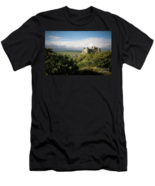 Harlech Castle, Snowdonia, Gwynedd, North Wales, Uk Men's T-Shirt (Athletic Fit)