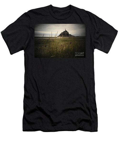 Mont St Michel Men's T-Shirt (Athletic Fit)