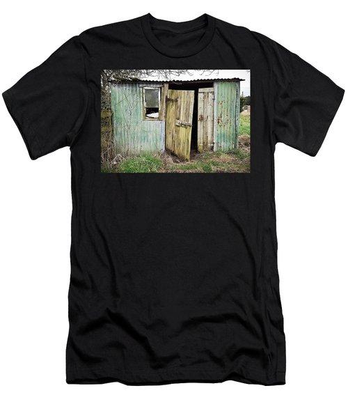 Old Hut Men's T-Shirt (Athletic Fit)