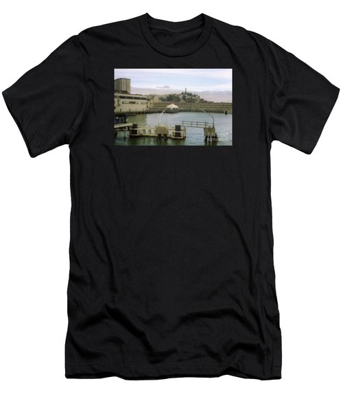 San Francisco Port Men's T-Shirt (Athletic Fit)