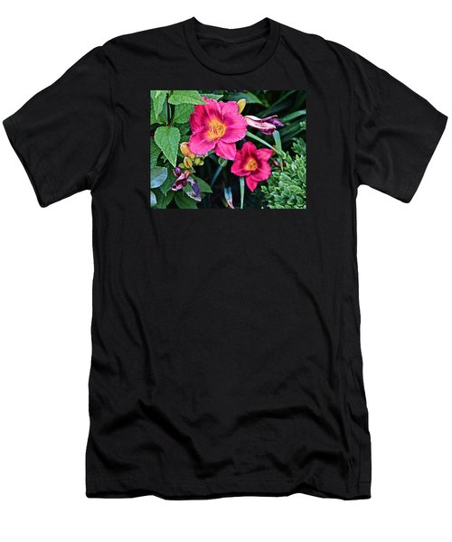 2015 Summer At The Garden Strawberry Candy Daylily 2 Men's T-Shirt (Athletic Fit)
