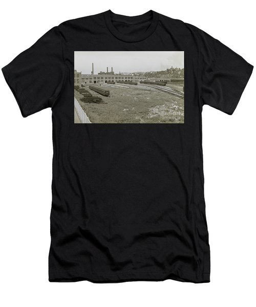 207th Street Railyards Men's T-Shirt (Athletic Fit)