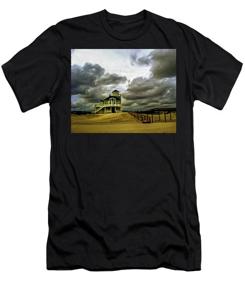 House At The End Of The Road Men's T-Shirt (Athletic Fit)