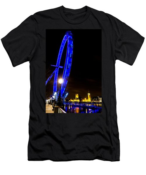 London Eye Night View Men's T-Shirt (Athletic Fit)