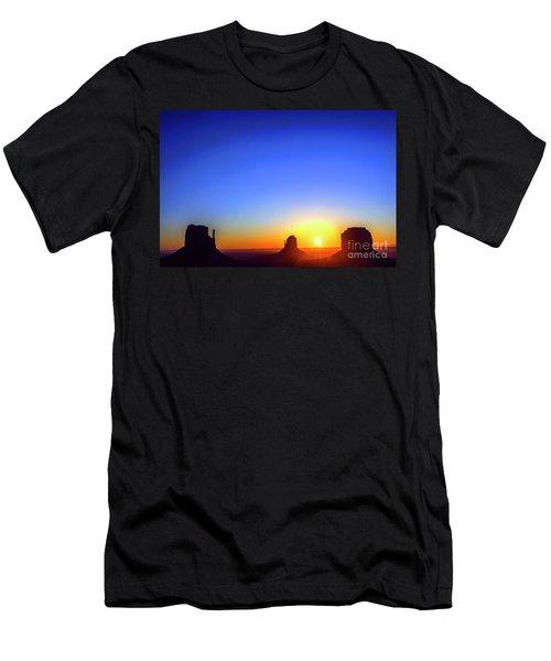 Monument Valley Navajo Tribal Park Men's T-Shirt (Athletic Fit)