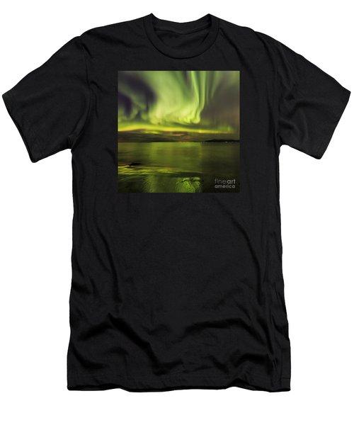 Northern Lights Reykjavik Men's T-Shirt (Athletic Fit)