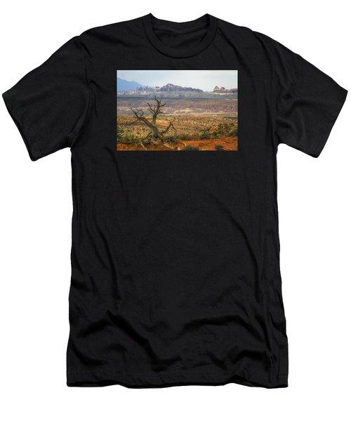 #3090 - Moab, Utah Men's T-Shirt (Athletic Fit)