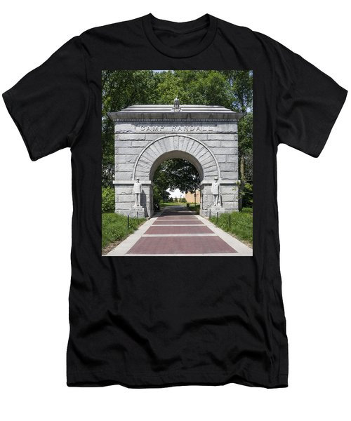 Camp Randall Memorial Arch - Madison Men's T-Shirt (Athletic Fit)