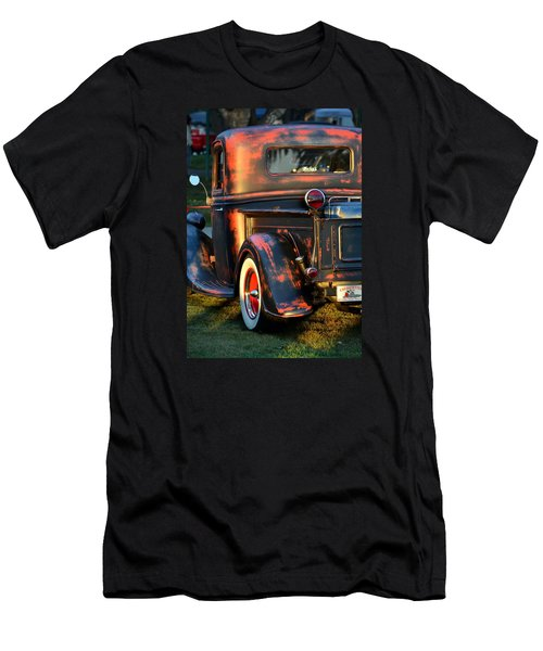 Classic Ford Pickup Men's T-Shirt (Athletic Fit)