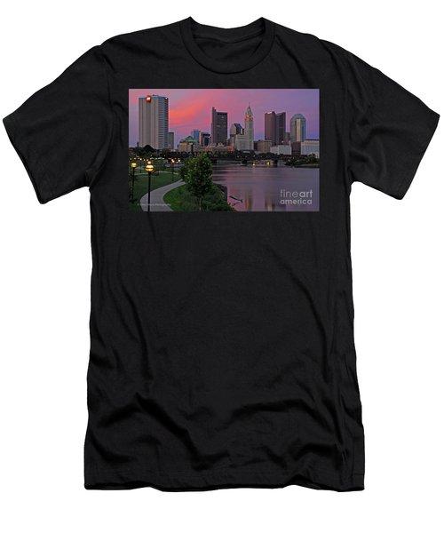 D2l37 Columbus Ohio Skyline Photo Men's T-Shirt (Athletic Fit)