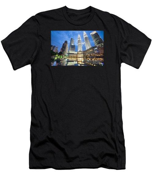 Kuala Lumpur Petronas Towers Men's T-Shirt (Athletic Fit)