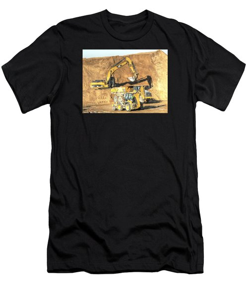 construction whsd Peterburg Men's T-Shirt (Athletic Fit)