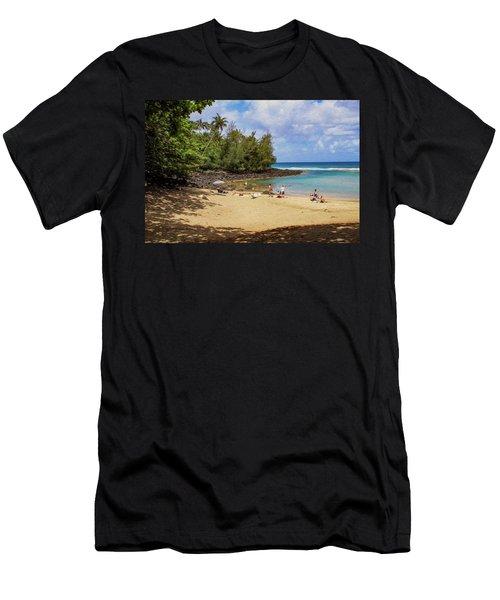 A Day At Ke'e Beach Men's T-Shirt (Athletic Fit)