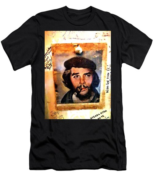 A Garlicky Che Guevara In Havana  Men's T-Shirt (Athletic Fit)