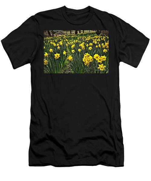 A Host Of Golden Daffodils Men's T-Shirt (Athletic Fit)