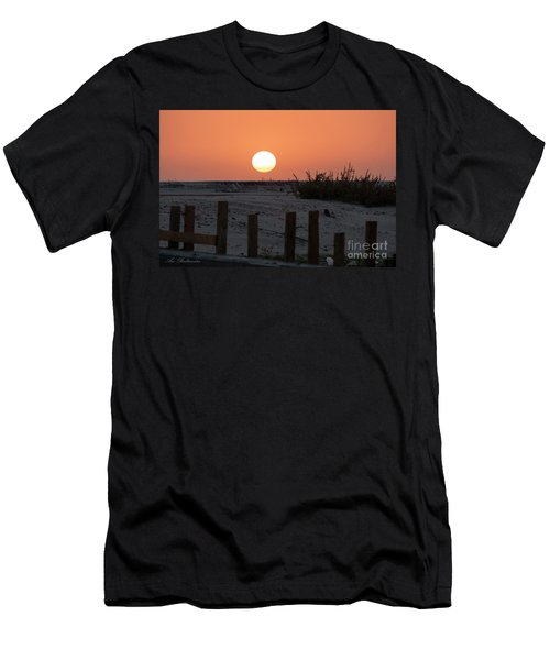 A November Sunset Scene Men's T-Shirt (Athletic Fit)