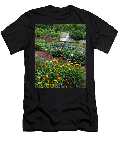 A Williamsburg Garden Men's T-Shirt (Athletic Fit)