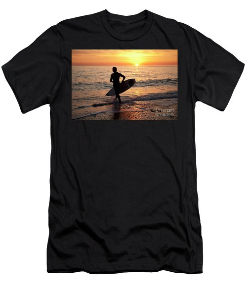 A Young Man Surfing At Sunset Off Aberystwyth Beach, Wales Uk Men's T-Shirt (Athletic Fit)