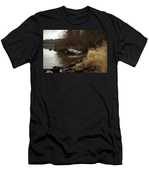 Abandoned Boat II Men's T-Shirt (Athletic Fit)