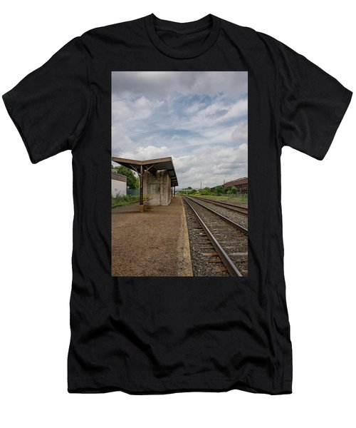 Abandoned Depot Men's T-Shirt (Athletic Fit)