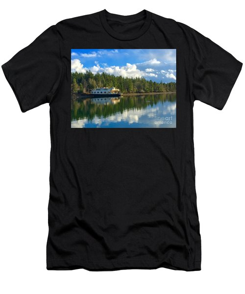 Abandoned Ferry Men's T-Shirt (Athletic Fit)