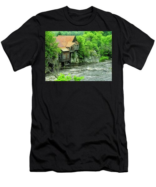 Abandoned Home By The River Men's T-Shirt (Athletic Fit)