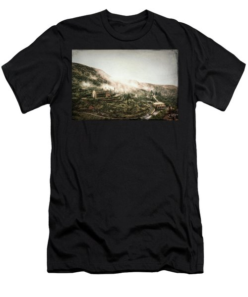 Abandoned Hotel In The Fog Men's T-Shirt (Athletic Fit)