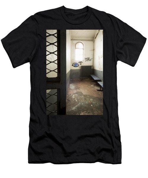Abandoned Prison Cell With Grafitti Of Eye On Wall Men's T-Shirt (Athletic Fit)