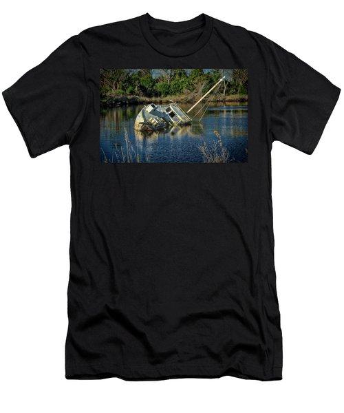 Abandoned Ship Men's T-Shirt (Slim Fit)