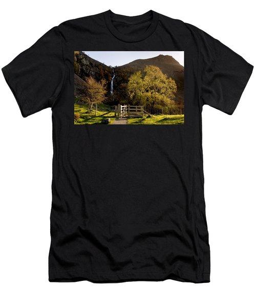 Aber Falls Men's T-Shirt (Athletic Fit)
