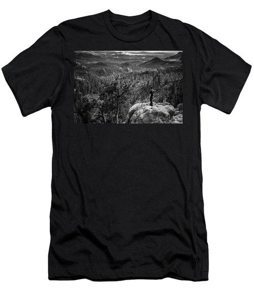 Needles Point South Dakota Men's T-Shirt (Athletic Fit)