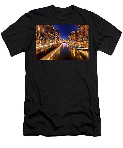Aker Brygge Men's T-Shirt (Athletic Fit)