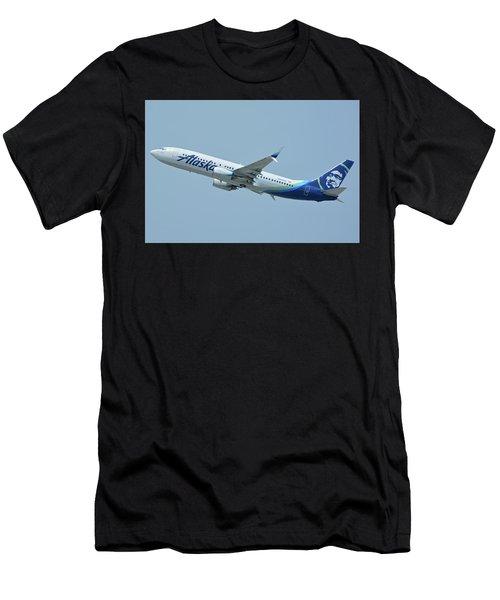 Alaska Boeing 737-890 N563as Los Angeles International Airport May 3 2016 Men's T-Shirt (Athletic Fit)
