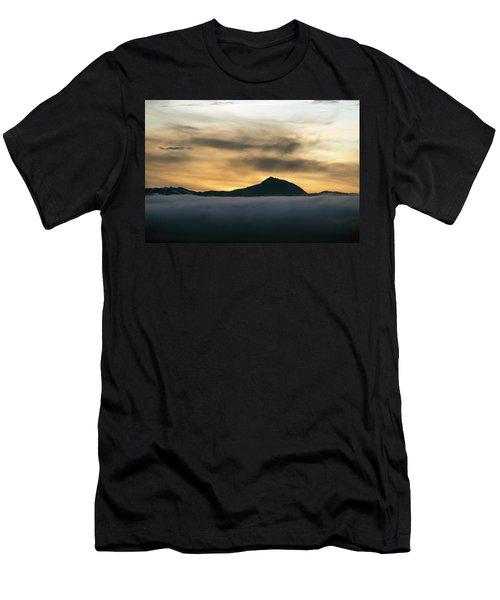Alaskan Gold Men's T-Shirt (Athletic Fit)
