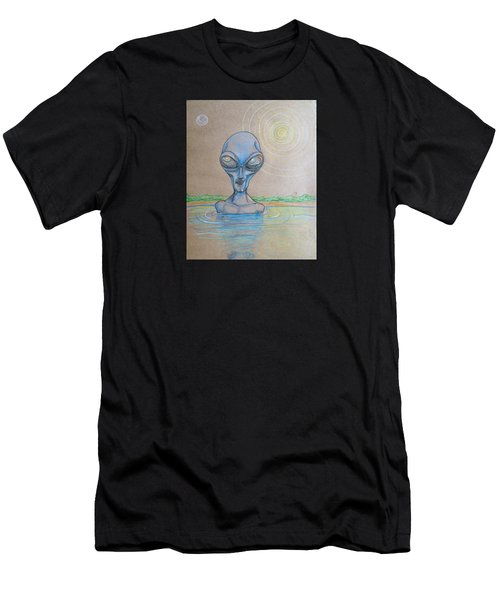 Alien Submerged Men's T-Shirt (Athletic Fit)
