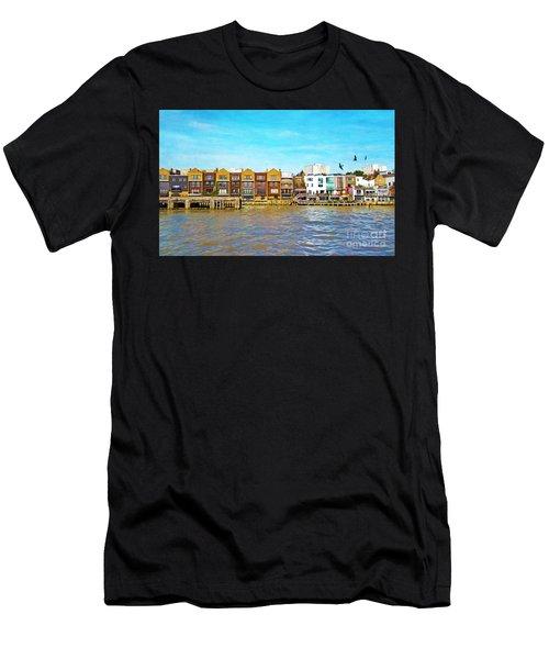 Along The River Thames Men's T-Shirt (Athletic Fit)