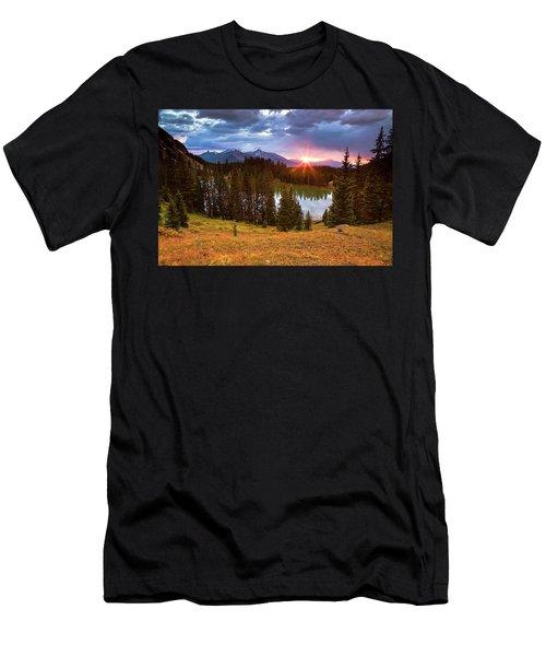 Alta Lakes Men's T-Shirt (Athletic Fit)