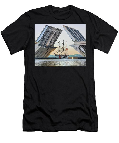 America's Tall Ship Men's T-Shirt (Athletic Fit)
