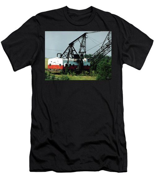 Abandoned Dragline Excavator In Amish Country Men's T-Shirt (Athletic Fit)