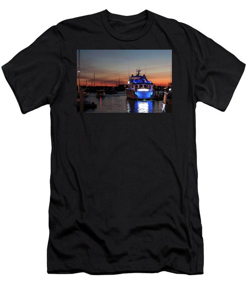 Men's T-Shirt (Slim Fit) featuring the photograph An Evening In Newport Rhode Island Iv by Suzanne Gaff