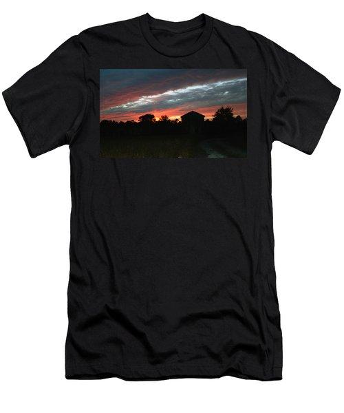 An Old Farm Men's T-Shirt (Athletic Fit)