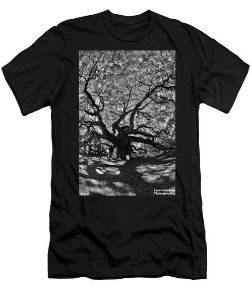 Angel Oak Johns Island Black And White Men's T-Shirt (Athletic Fit)
