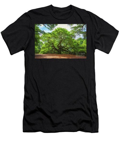 Angel Oak Tree In South Carolina  Men's T-Shirt (Athletic Fit)