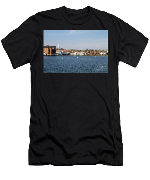 Annapolis City Skyline Men's T-Shirt (Athletic Fit)