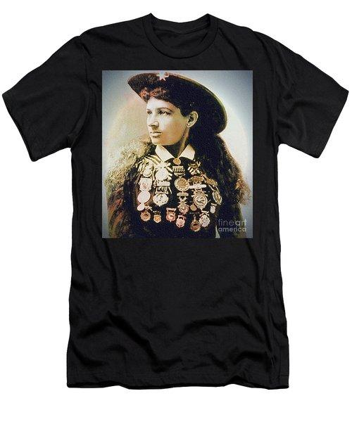 Annie Oakley - Shooting Legend Men's T-Shirt (Athletic Fit)