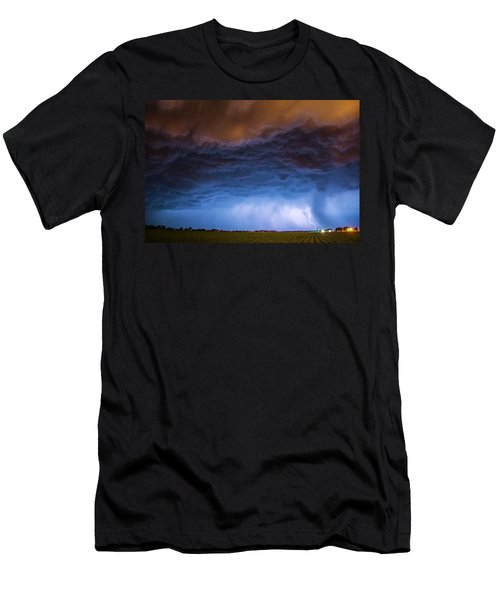 Another Impressive Nebraska Night Thunderstorm 008/ Men's T-Shirt (Athletic Fit)