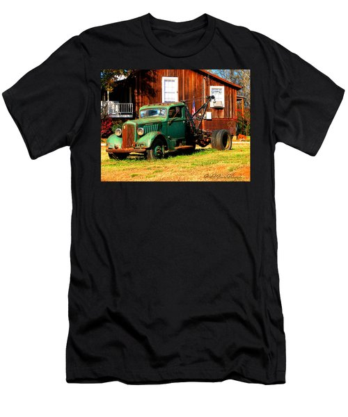 Antique Tow Truck Men's T-Shirt (Athletic Fit)
