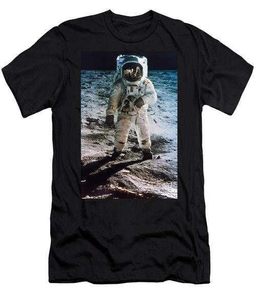 Apollo 11 Buzz Aldrin - To License For Professional Use Visit Granger.com Men's T-Shirt (Athletic Fit)