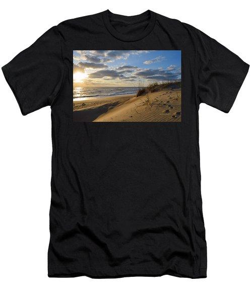 April Sunrise 2016 Men's T-Shirt (Athletic Fit)